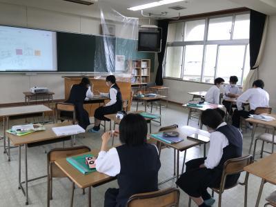 各班はソーシャルディスタンスを保てていますが、班内はどうでしょうか?