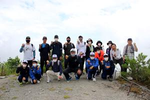 銅山峰に全員登頂!